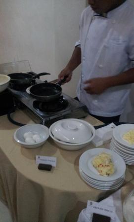 La Piazza Hotel & Convention Center: Zubereitung von Eierspeisen