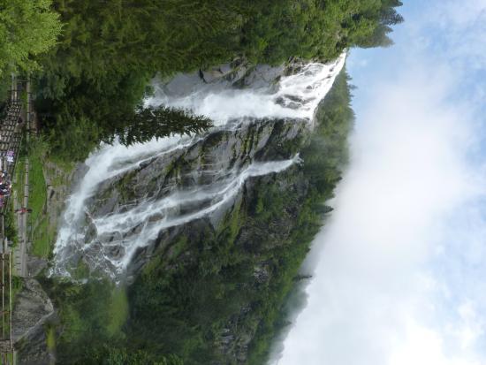 Ristorante Cascata Nardis: Ancora cascate