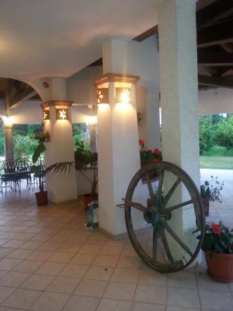 Hotel Ristorante Domu Incantada: אזור הכניסה לחדר האוכל