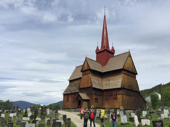 Ringebu, Norge: Деревянная столбовая церковь в Ригнебю