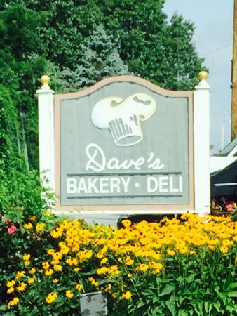 Flatwoods, KY: Outside Dave's Bakery