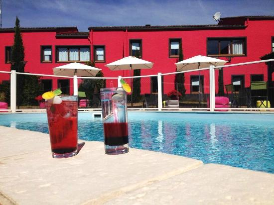 swimming pool picture of ibis macon sud creches sur saone tripadvisor. Black Bedroom Furniture Sets. Home Design Ideas