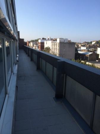 202 Modern Service Apartments: Utsikt från balkongen