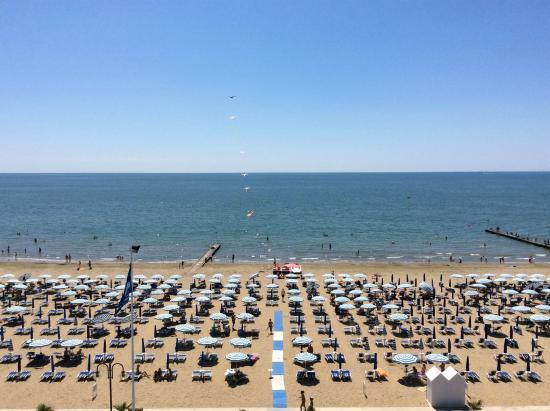 Hotel Universo: spiaggia hotel