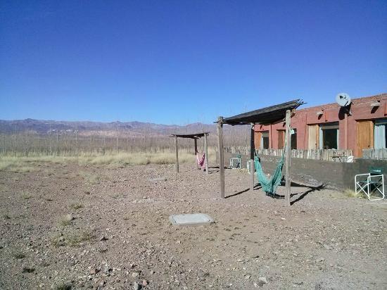 Hotel Pukarainca: Vista de las habitaciones y hamaca para descanso