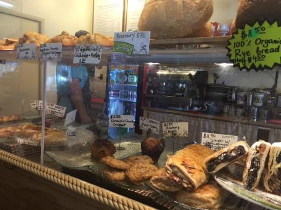 Around the World Cafe : The pastry display cabinet