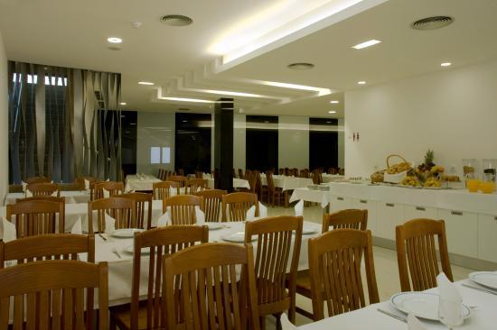 Hotel Genesis: Sala