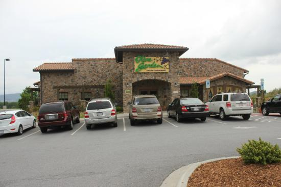 Photo of Italian Restaurant Olive Garden at 400 Airport Road, Arden, NC 28704, United States