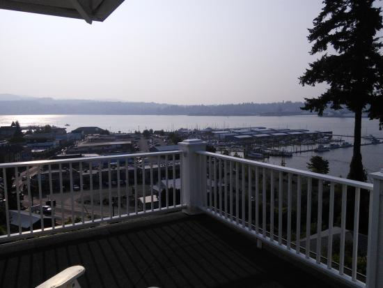 Cedar Cove Inn: View of the bay and downtown from the porch
