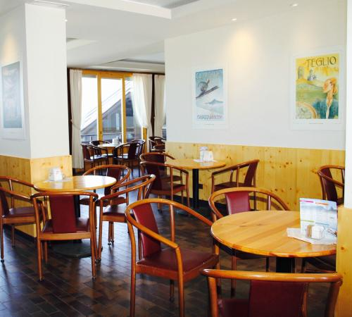Hotel Quarto Pirovano: Bar solarium interni