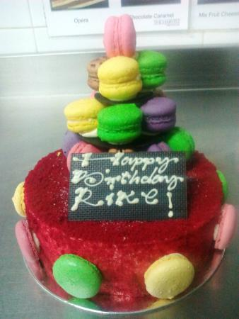 How the cake came out to be - Picture of The Harvest Patissier ...