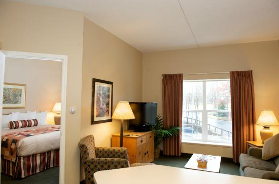 CrestHill Suites Albany: One Bedroom Suite