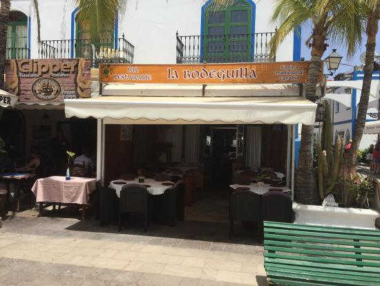 la bodeguilla juanana: Welcoming frontage