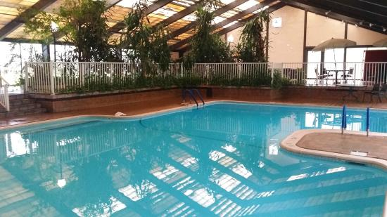 Howard Johnson Inn-Bartonsville/Poconos Area: Pool