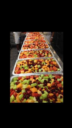 Hog Wild BBQ: Fruit for catering