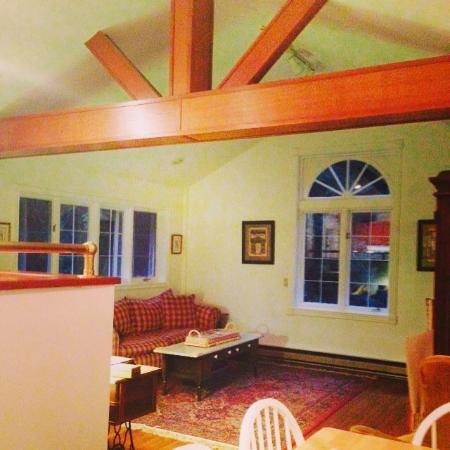Orcas Island Bayside Cottages: Inside barn loft