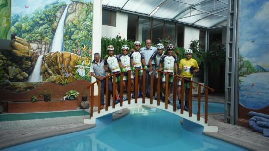 Hotel Casa Blanca: Ciclistas en la vuelta al Ecuador