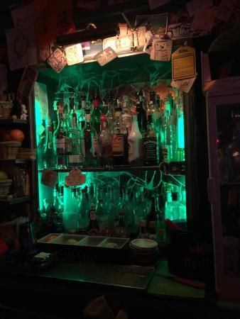 Public House 27: Side bar