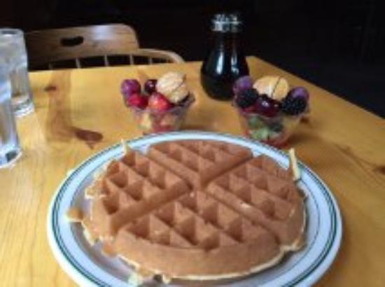 HY-IU-HEE-HEE: Fresh Fruit & Waffle to Start Your Breakfast!