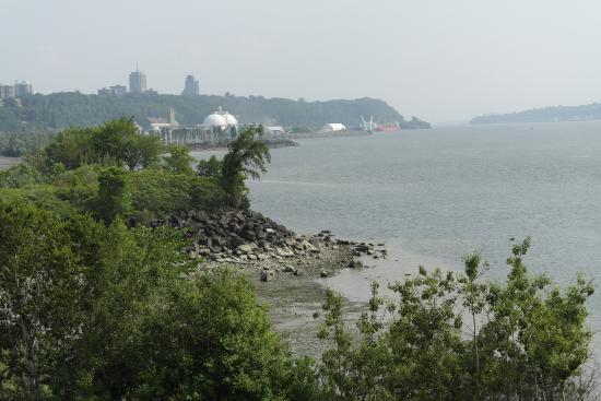 La Promenade Samuel-De Champlain: .