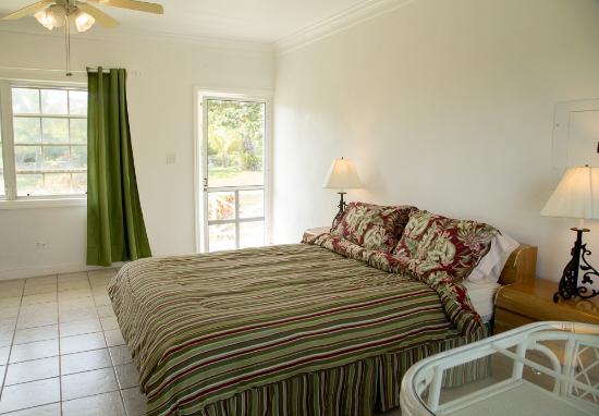 Surfers Manor: Room