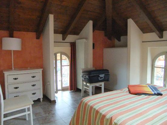 Residence Ortensia: camera da letto