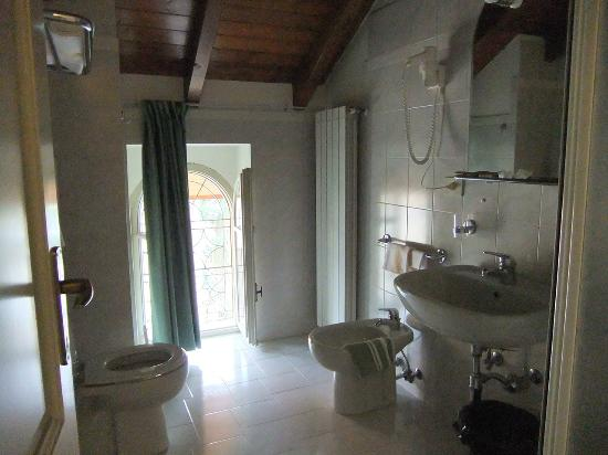 Residence Ortensia: bagno