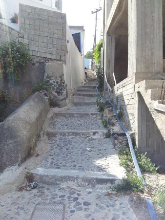 Kykladonisia Hotel and Hostel : Acceso desde la Calle