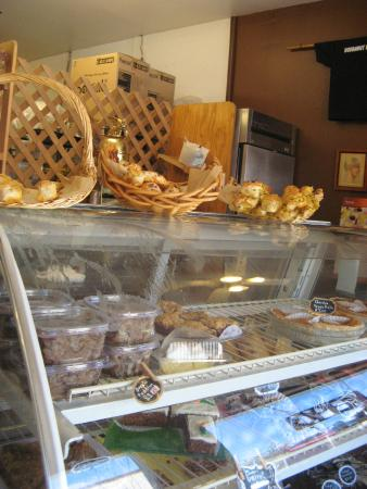 Sisters, Oregón: What to choose...fresh breads, treats everywhere