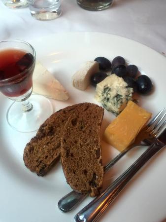 Amsterdam Jewel Cruises: Dessert option- Assorted Cheeses and Port Wine