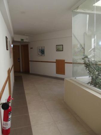 โรงแรมพรีเมอร่า: Hall