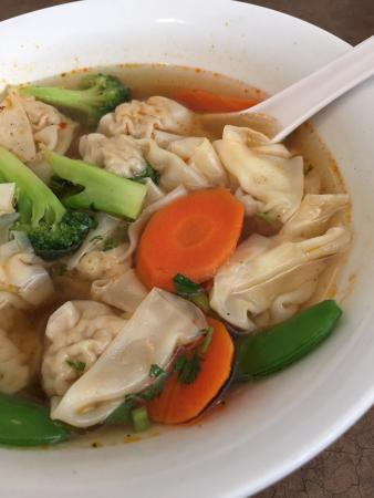 Hong Fah : Signature Thai Wonton Soup