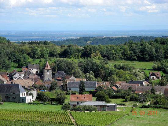 Meloisey, le village vue de l'ouest