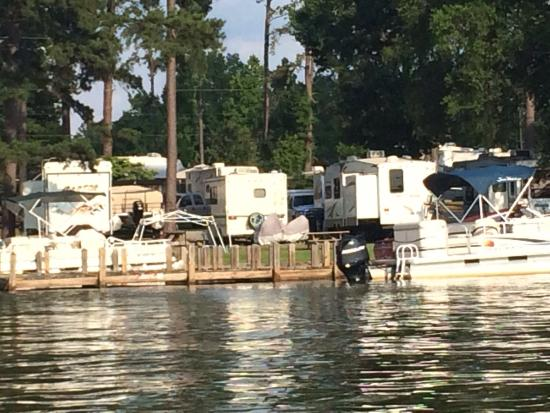Little River Park: Boat tie up for camping area