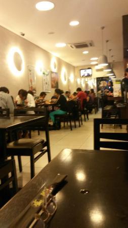 MN Lamen Restaurante: Interior do restaurante