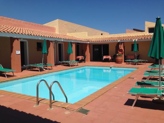 Vista piscina piccola photo de club hotel marina seada - Piccola piscina ...