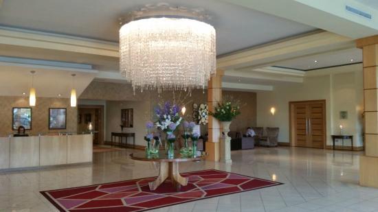 Mullingar Park Hotel: Foyer.