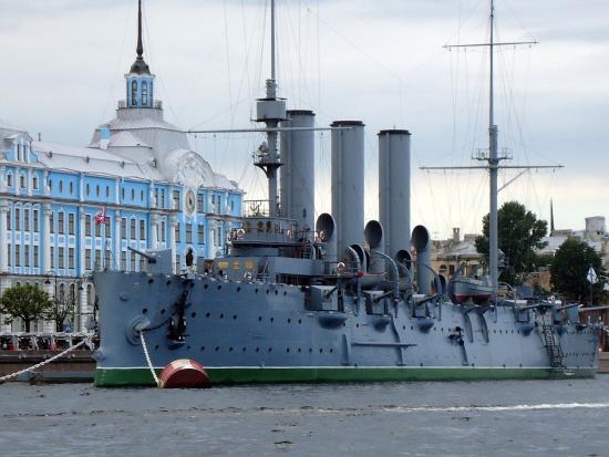 фото аврора крейсер в санкт петербурге