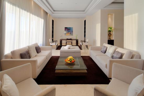 Park Hyatt Jeddah - Marina, Club & Spa: Royal suite living room