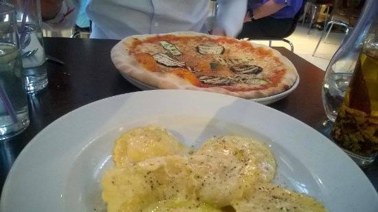 Shardana: Pizza Ortelana & Ravioli Al Tartufo