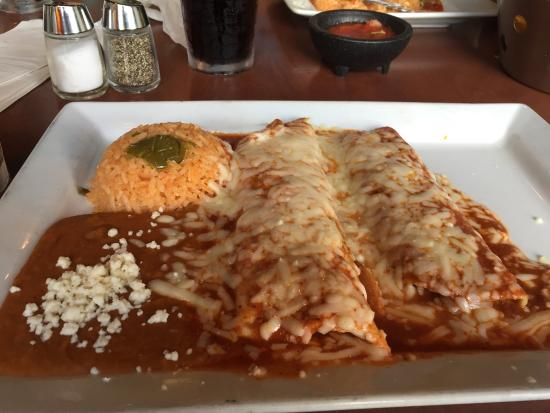 La Fiesta Authentic Mexican Restaurant: Super Lunch Special