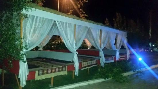 Our Place Hotel Şark ve Dinlenme Köşesi