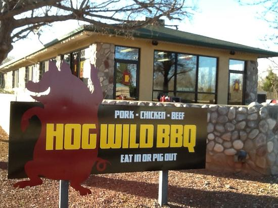 Hog Wild BBQ: Eat in or pig out
