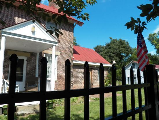 G. W. Henderson Plantation - Henderson Hall: Side door of Henderson Hall