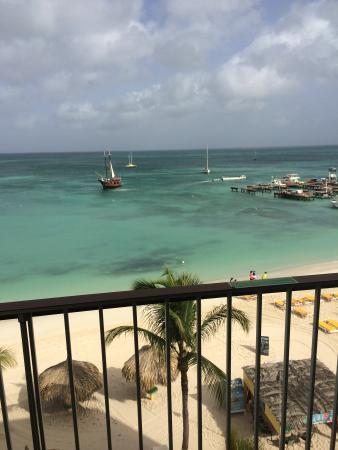 Holiday Inn Resort Aruba - Beach Resort & Casino: Vista do meu quarto!!