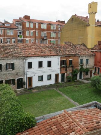 Alloggi Marinella: View from window