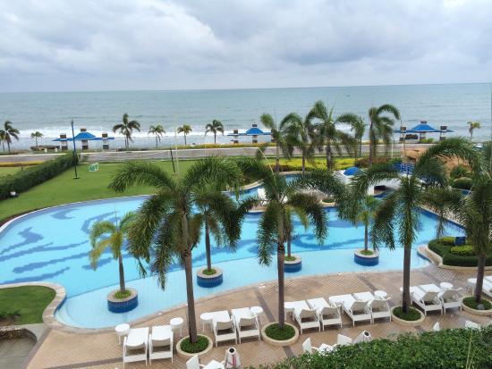 Beach Pool Area Picture Of Thunderbird Resorts Poro Point San Fernando La Union Tripadvisor