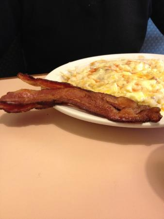 Pleasant Hill, OR: Awesome Bacon and Real Sausage Gravy