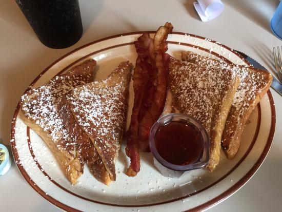 Sportsman Bar and Grill, Navajo Dam - Restaurant Reviews, Photos