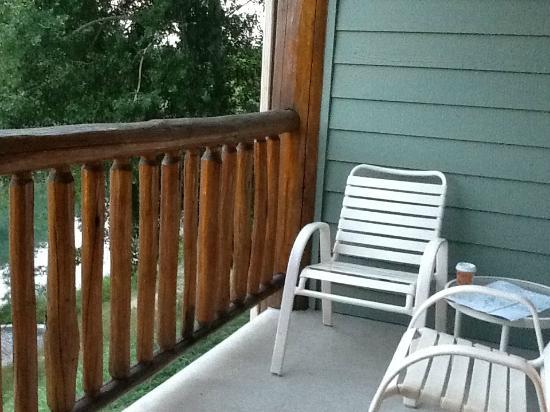 Pine Lodge: Balcony